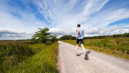 Как правильно бегать летом без вреда для здоровья: важные советы от врача-марафонца