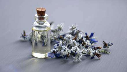 Що потрібно знати про ефірні олії та ароматерапію: відповідь експертів