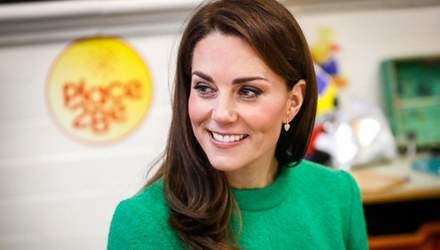 У мінісукні: Кейт Міддлтон порушила королівський протокол