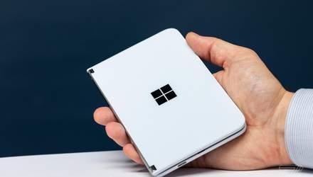 Топ-менеджер Microsoft натякнув на швидкий реліз складного смартфона Surface Duo