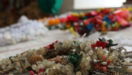 Українці відтворюють давні весільні вінки з воску: вражаючі фото та відео