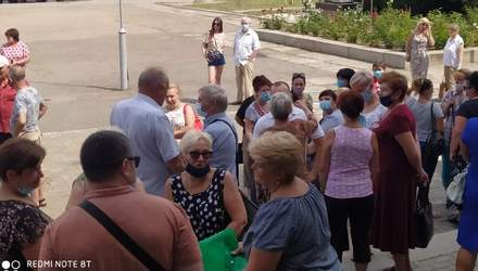 3 месяца без денег: медики в Смеле протестуют из-за невыплаты зарплаты