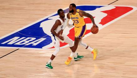 """ЛеБрон Джеймс принес """"Лейкерс"""" победу над """"Клипперс"""" в первой игре НБА после карантина: видео"""