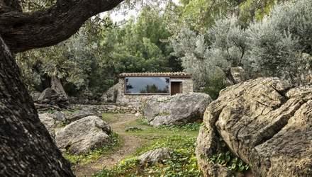 Надкушенные дома: в горах на Майорке возвели великолепные каменные помещения – фото интерьера