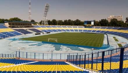 Стадіон – так стадіон: в Узбекистанні через пандемію оригінально проведуть вступні іспити