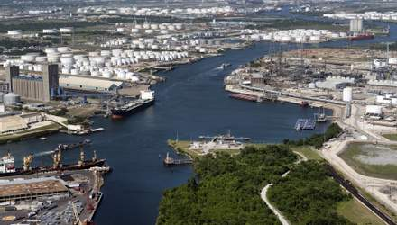 Нефть дорожает на фоне оптимистичного прогноза Saudi Aramco: последние изменения на рынке