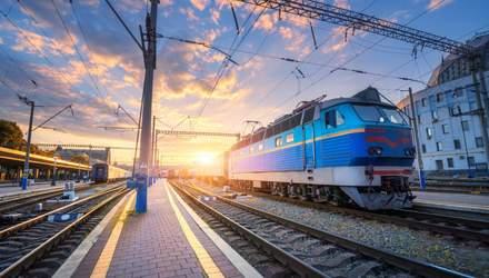 Наряд поліції в поїзді та окремі жіночі вагони: як зробити подорож Укрзалізницею безпечною