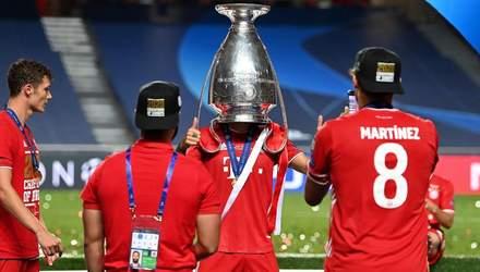 """Ніч удвох та кубок на голові: як футболісти """"Баварії"""" святкували перемогу у Лізі чемпіонів"""