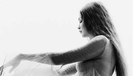 Джиджи Хадид очаровала фотосессией на последних месяцах беременности: невероятные кадры