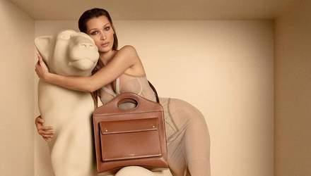 Белла Хадід стала зіркою реклами Burberry: провокативне фото топлес