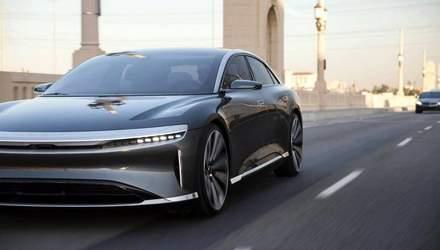 Конкурент Tesla показал новый электрокар в действии: видео