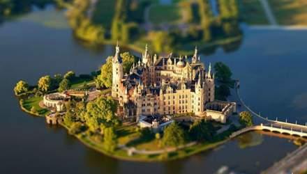 7 дивовижних замків на воді: захопливі фото