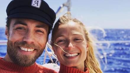 Брат Кейт Міддлтон влаштував подорож до Італії з нареченою: милі фото на палубі корабля