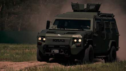 Техніка війни: Потужні бронемашини, які доїхали до району бойових дій на Донбасі
