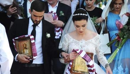 Анастасия Приходько показала романтические фотографии с венчания, которое состоялось год назад