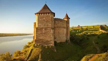Унікальні замки та фортеці України, які повинен відвідати кожен