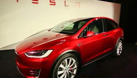 От уверенного роста до внезапного падения: акции Tesla второй раз за год рекордно подешевели