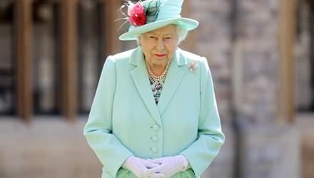 Королева повертається: після тривалої ізоляції Єлизавета II переїде у Букінгем