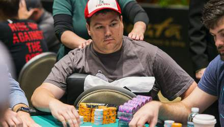 Американський мільйонер підхопив COVID, але продовжує грати у покер