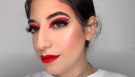 Один із осінніх б'юті-трендів: макіяж очей у бордово-винних тонах