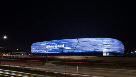 Майже 5 мільйонів доларів на освітлення: стадіон для футбольної команди в Америці вражає – фото