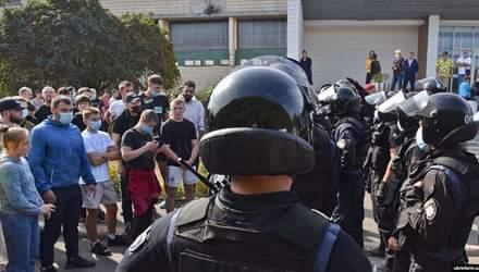 Сутички біля Олімпійського коледжу в Києві: у МОН відреагували на ситуацію