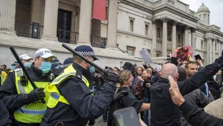 Акция против карантинных ограничений в Лондоне: полиция разгоняла людей дубинками – фото, видео