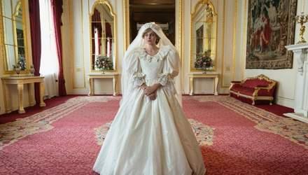 """Актриса Емма Коррін приголомшила схожістю з принцесою Діаною: нові кадри з серіалу """"Корона"""""""