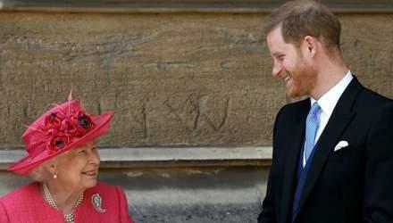 Принц Гарри вернется в Британию без Меган Маркл, – СМИ