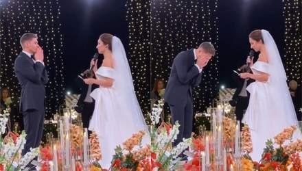 Володимир Остапчук розплакався, коли побачив наречену Христину біля вівтаря: відео