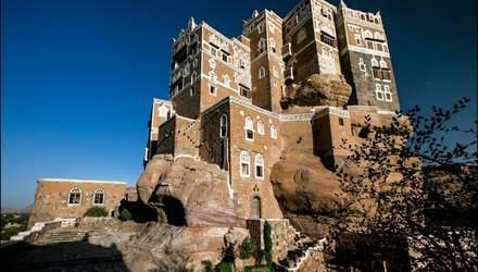 Дворец Имама: уникальное сооружение на вершине скалы в Йемене – фантастические фото
