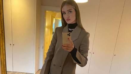 Як трендово одягнутися восени: стильні поради від моделі Розі Гантінгтон-Вайтлі