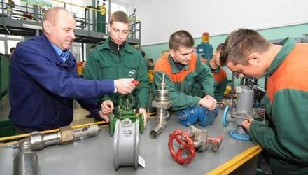 Викладачам професійної та передвищої освіти збільшать зарплати у 2021 році