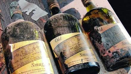 Будинок з віскі: пара знайшла 66 пляшок з міцним алкоголем сторічної давнини