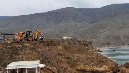 В Криму окупанти знищують унікальну бухту Капсель: невдовзі нічого там не залишиться – фото