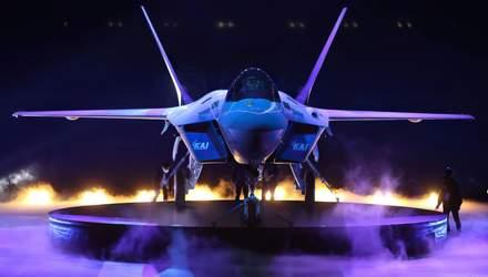 Перший винищувач KF-21 Boramae презентували світу – Техніка війни