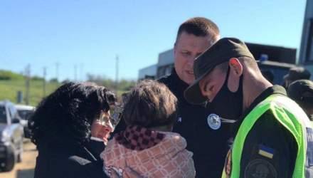 Дуже злякана і голодна: на Одещині рятувальники відшукали 4-річну дівчинку