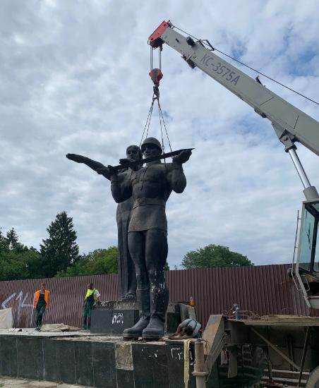 Знесли Монумент слави 30 років Незалежність 24 серпня 2021 Львів Декомунізація