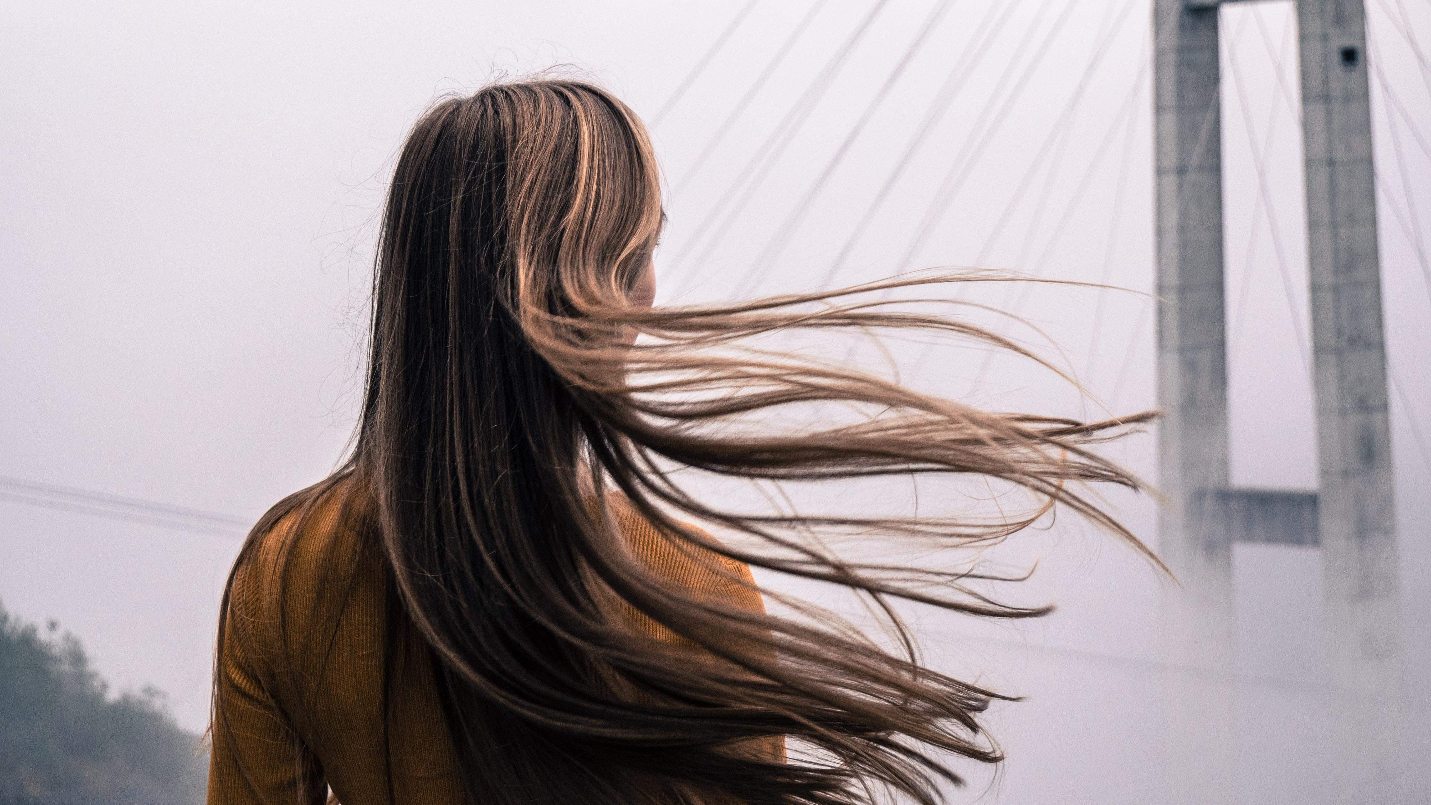 Коли стригти волосся
