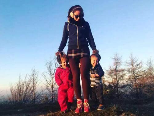 Мать-одиночка призналась, что самой с двумя детьми было очень трудно