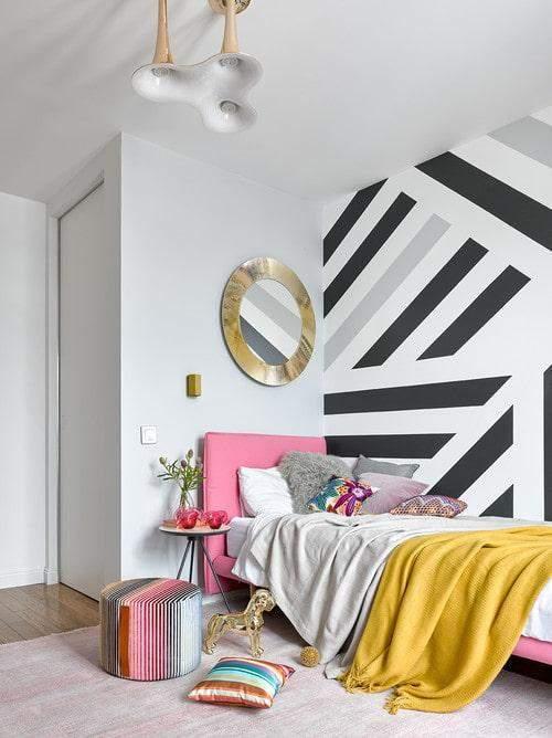 Стіна з геометричними візерунками