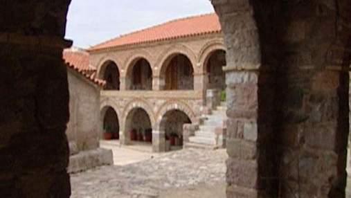 Лесбос - грецький острів, що славиться стародавньою архітектурою та монастирями