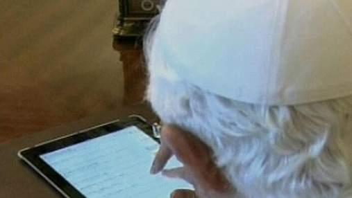 Бенедикт XVI написав перші повідомлення в Twitter