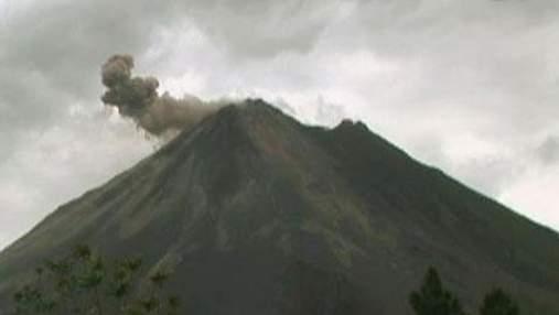 """Ареналь – вулкан, який щороку """"росте"""" на 4 метри"""