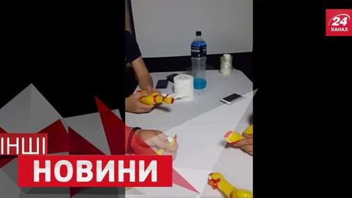 """ДРУГИЕ новости. Новый хит от """"резинового хора"""". Лучший гол в истории футбола"""