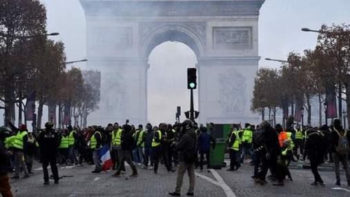 """Протести """"жовтих жилетів"""": на яку суму завдані збитки французькій столиці"""