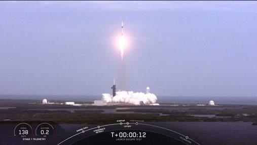 Во время запуска корабля SpaceX Crew Dragon произошел взрыв: видео