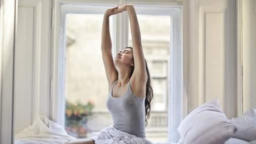 Прості вправи, які допоможуть зберегти молодість обличчя та шиї