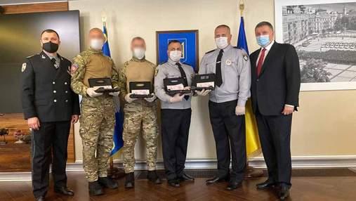 Аваков наградил силовиков за ликвидацию полтавского террориста: фото и видео