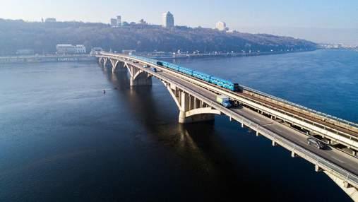 В Киеве на несколько дней ограничат движение по двум мостам